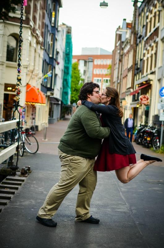 TravelShoot_Amsterdam_bridge_jump