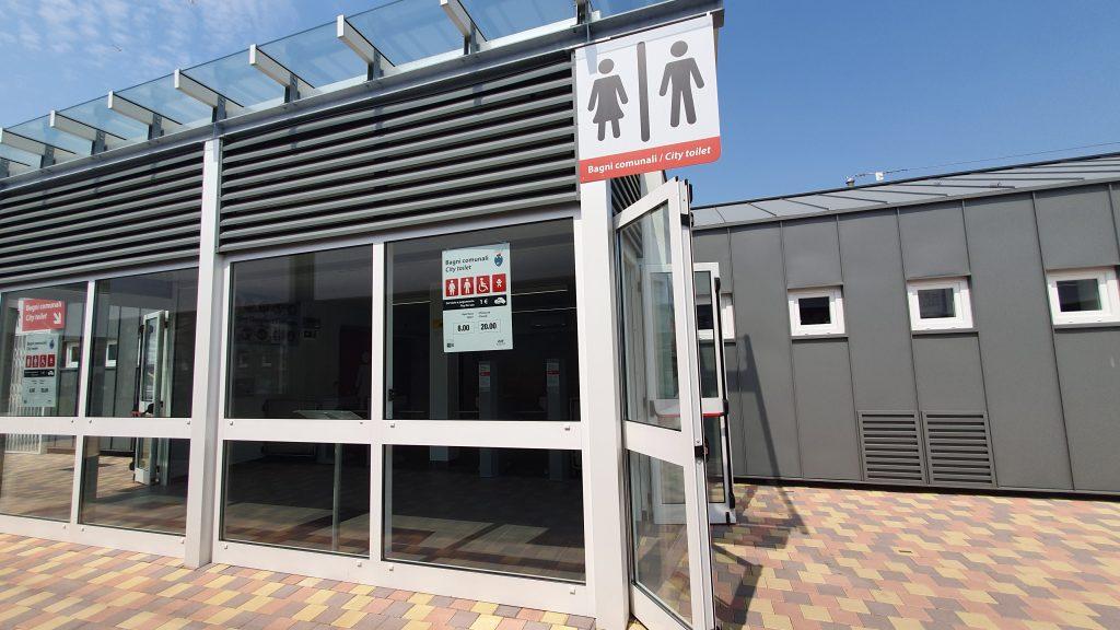 Venice Flixbus stop with toilet