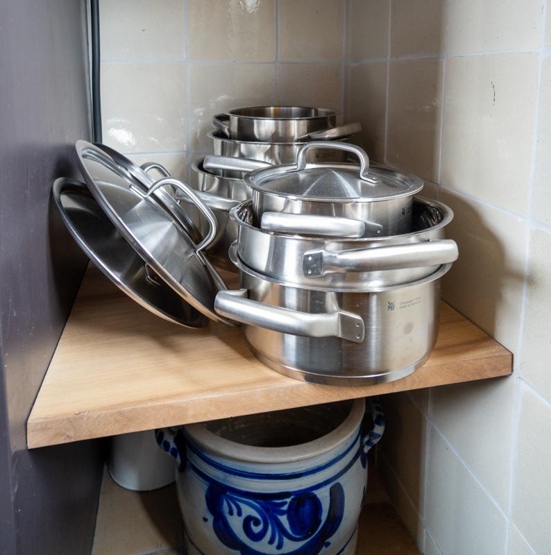 Pots at Sweets Hotel Amstelschutsluis